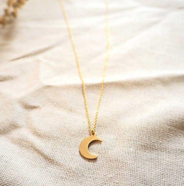 Gouden ketting met maanbedel